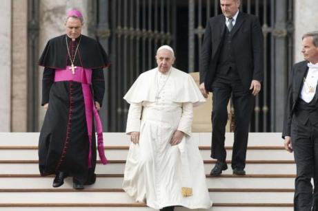 pope-2_5B082172E5A446D79638171EDA186940.jpg